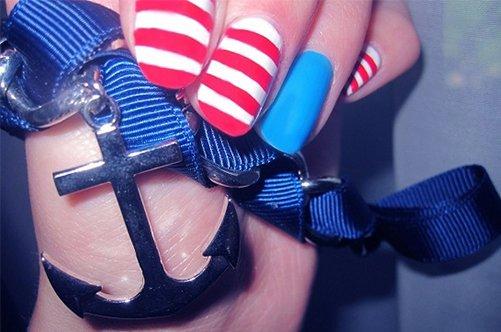 дизайн ногтей в морском стиле фото