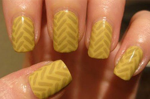 новые дизайны ногтей 2013 желтый маникюр елочка фото