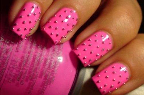новые дизайны ногтей 2013 розовый маникюр с шипами фото