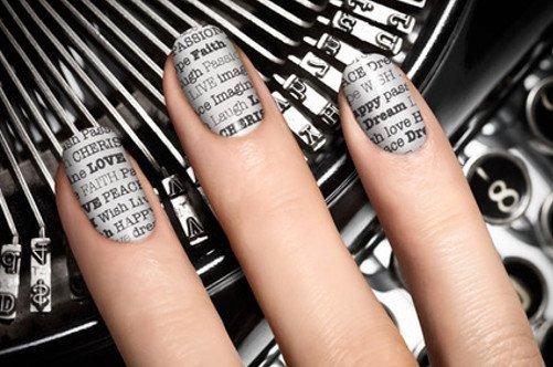 оригинальный газетный дизайн ногтей фото