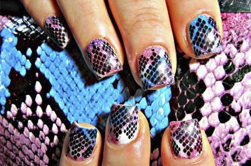 дизайн ногтей витраж на коротких ногтях фото