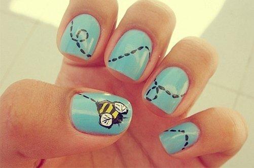 прикольный дизайн ногтей пчелки фото