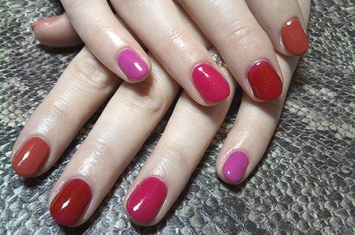 фото яркого дизайна ногтей осень 2013