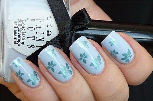 голубой дизайн ногтей современный фото