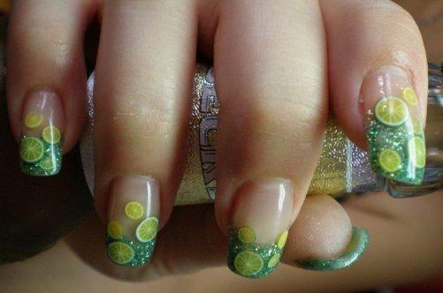 салатовый дизайн ногтей: