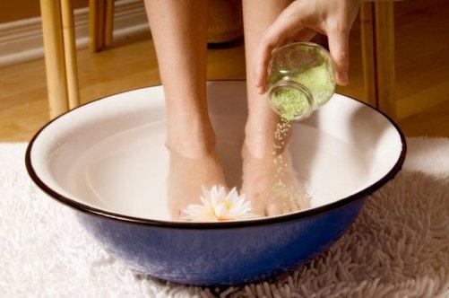 Ванночки с солью для ног и рук
