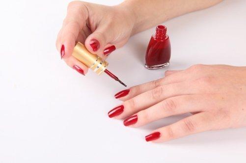 Как правильно красить ногти шеллаком дома