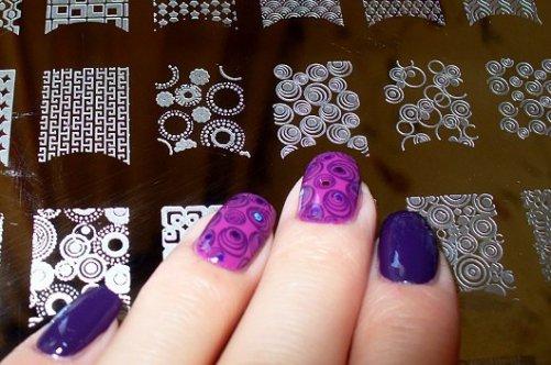 Рисунки на ногти с помощью штампа
