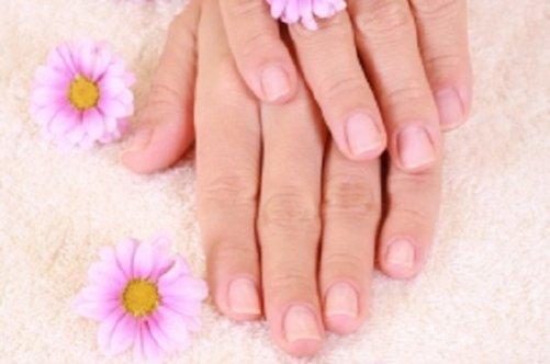 фото ногти лунки